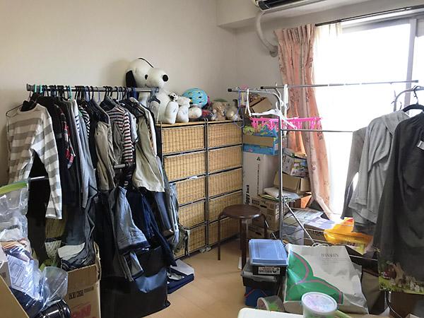これまで物置のように使っていたお部屋をベッドルームに。それにしても大変だ!!