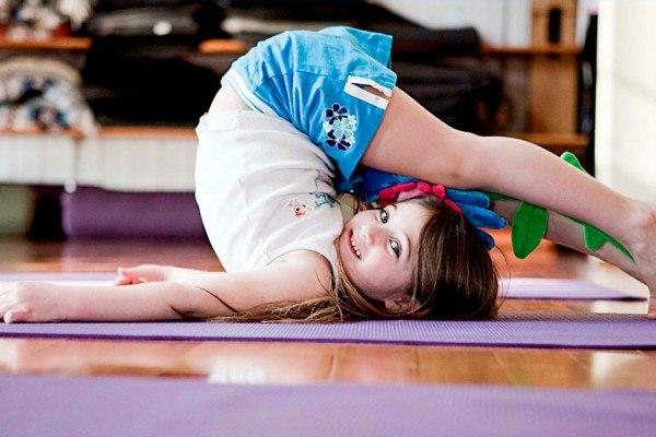 Йога для подростков начинающих свой путь к самосовершенствованию. Йога для подростков: комплекс асан для красивой осанки