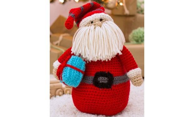 """Вязаные крючком подушка-игрушка """"Дед Мороз"""". Описание"""