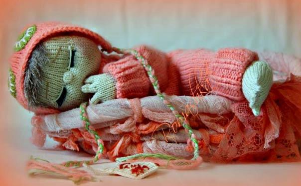 Вязаная кукла «Малышка Сонюшка». Описание