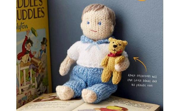 Вязаная кукла. Малыш с медвежонком