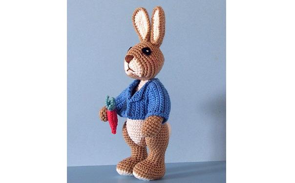 Вязаный крючком кролик Робби. Описание