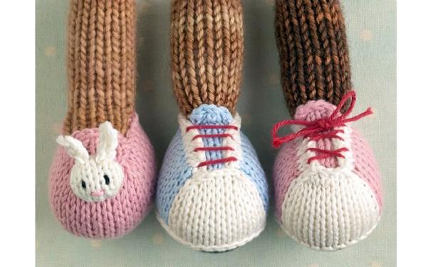 Вязаная спицами обувь для кукол. Описание