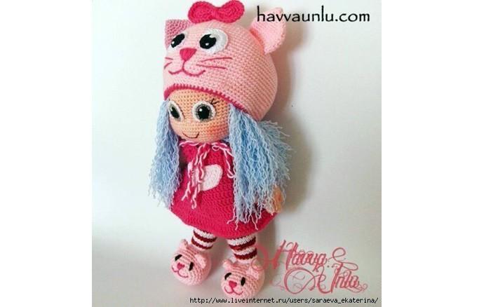 Вязаная куколка в шапке-кошка. Схема