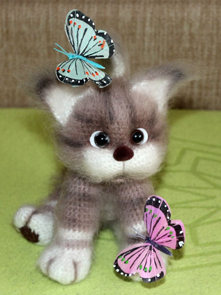 Вязаный котенок Усатый Полосатый