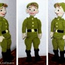 Вязаная крючком кукла Новобранец