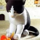 Вязаная спицами кошка. Описание