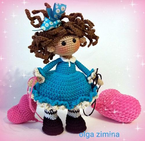 Вязаная кукла Валентинка