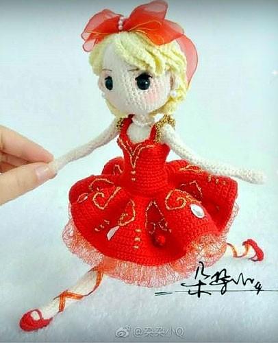 Вязаная Барби балерина