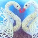 Вязаный лебедь с ажурными крыльями