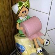 Кукла-держатель туалетной бумаги. Крючком