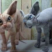 Вязаный крючком кот сфинкс