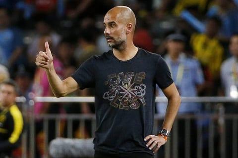 Pep Guardiola Toi thieu kinh nghiem, nhung tien bo moi ngay hinh anh