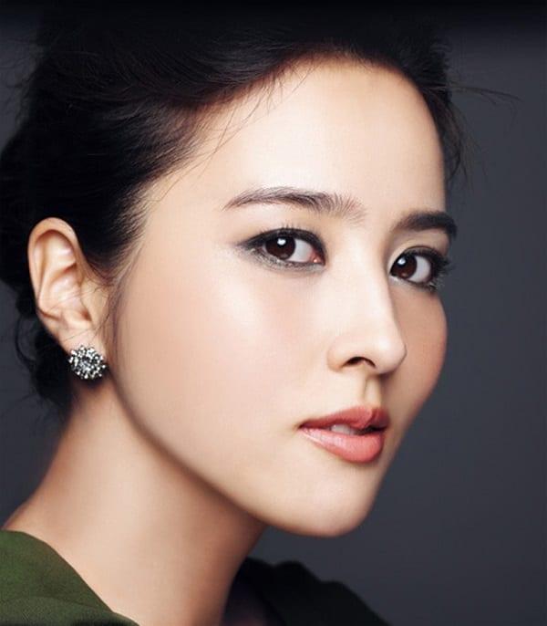 han-hye-jin-co-vo-cuc-xinh-cua-tien-ve-swansea-4