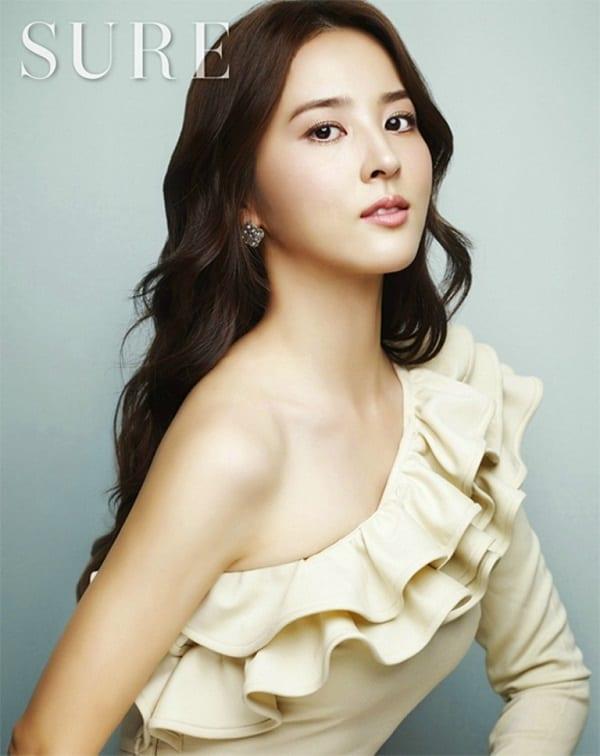 han-hye-jin-co-vo-cuc-xinh-cua-tien-ve-swansea-6