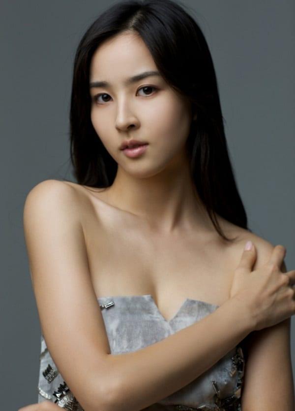 han-hye-jin-co-vo-cuc-xinh-cua-tien-ve-swansea-7