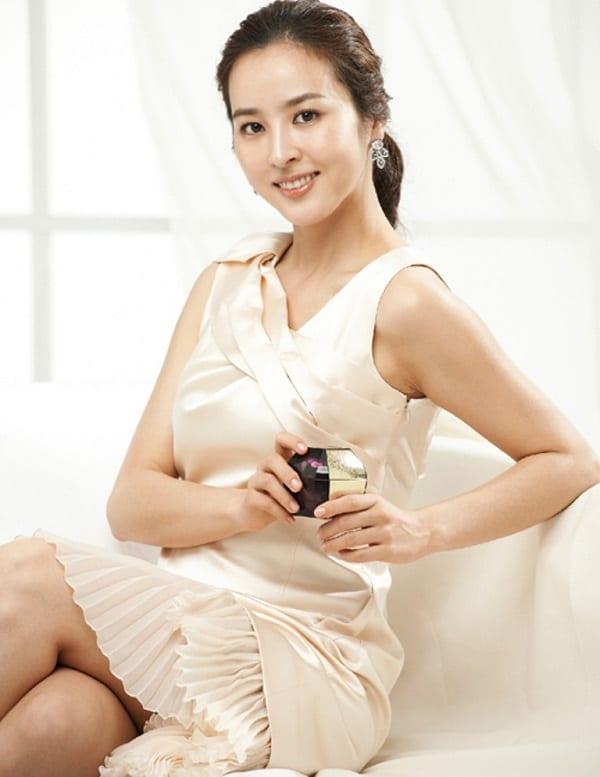 han-hye-jin-co-vo-cuc-xinh-cua-tien-ve-swansea-8