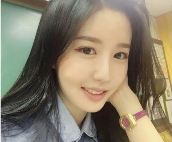 giao-vien-day-toan-xinh-nhu-hot-girl-duoc-dan-mang-lung-suc3