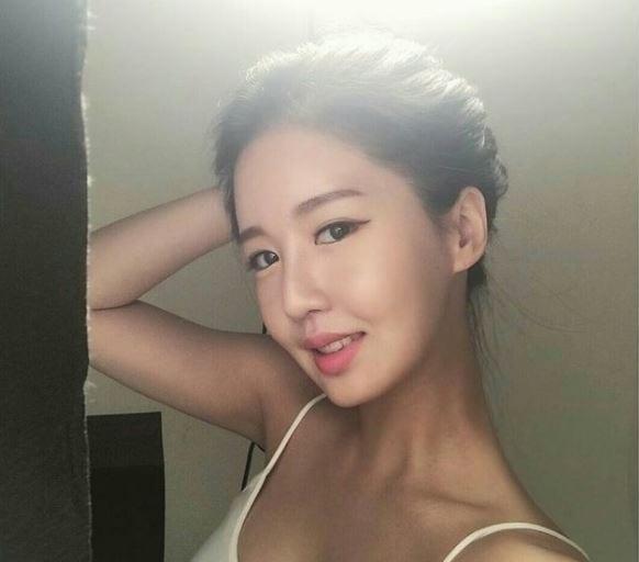 giao-vien-day-toan-xinh-nhu-hot-girl-duoc-dan-mang-lung-suc5