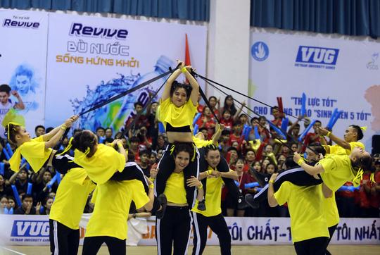 ĐH Tôn Đức Thắng vô địch Dance Battle, Bách Khoa đăng quang futsal - Ảnh 6.