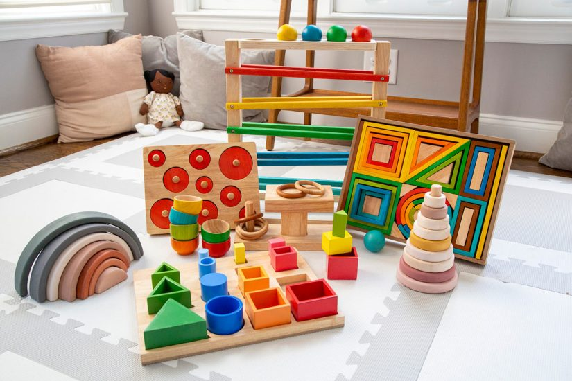 Tiny Earth Toys kit for subscription rental to spur early childhood development and learning