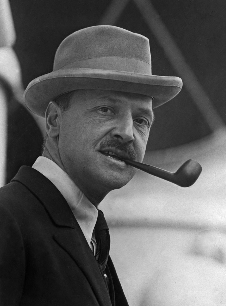 William Somerset Maugham Mr. Know All Writer