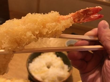 徳島鳴門魚榮デカ盛り特注天丼エビ接写