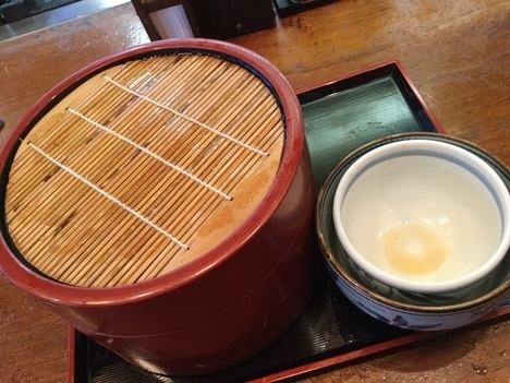 武蔵野うどん田舎や下野肉汁1kg盛り完食