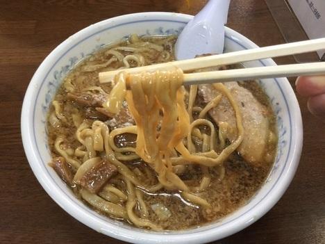 三条中華亭ラーメン中油麺リフト