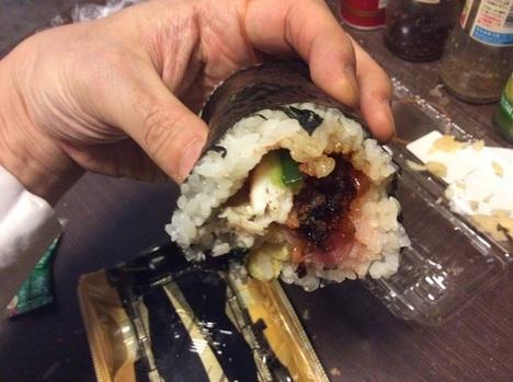 魚べい恵方巻断面