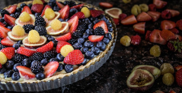 Fig and Berry Tart with Berries