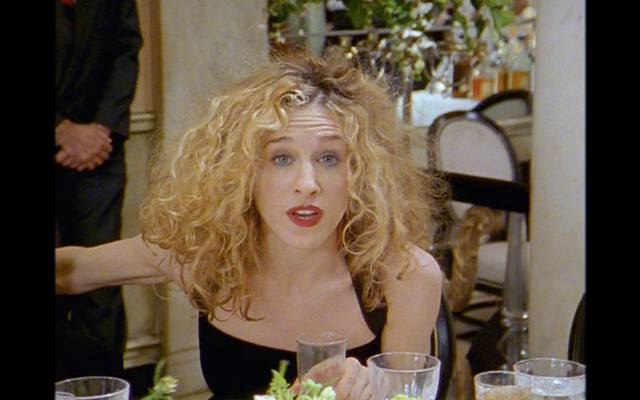 11 carrie bradshaw hairstyles that'd still be super chic
