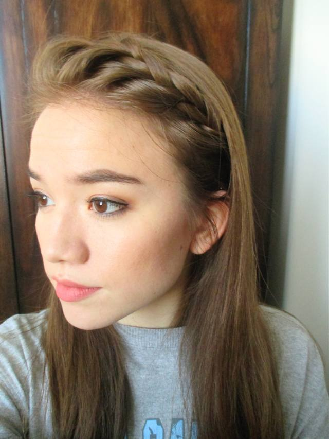 5 cute and easy bobby-pin hairstyles using fewer than 5