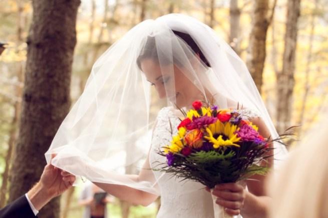 7 Ways To Save Money On Wedding Flowers, Because Those