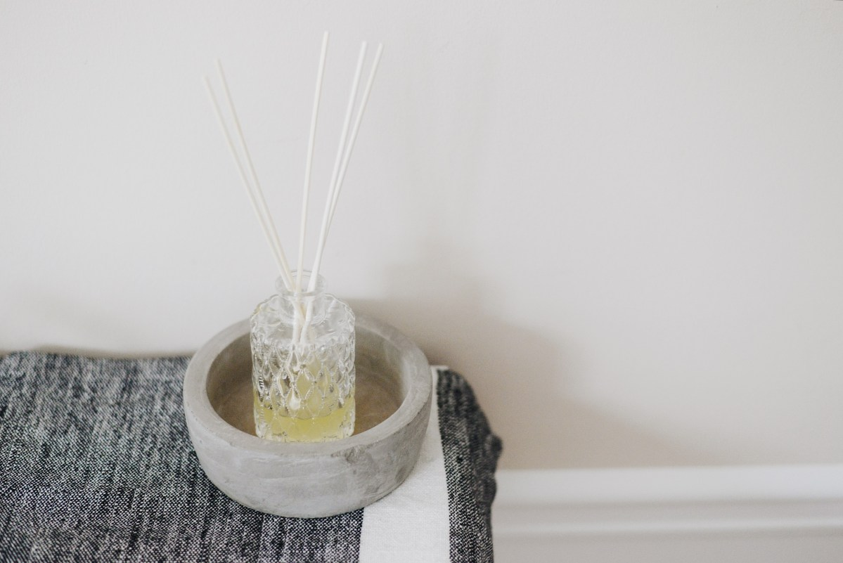 DIY Essential Oil Reed Diffuser | 12 Days of Tutorials