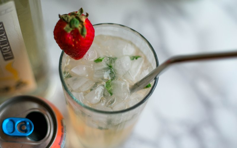 Bubbly Grapefruit Mint Cocktail