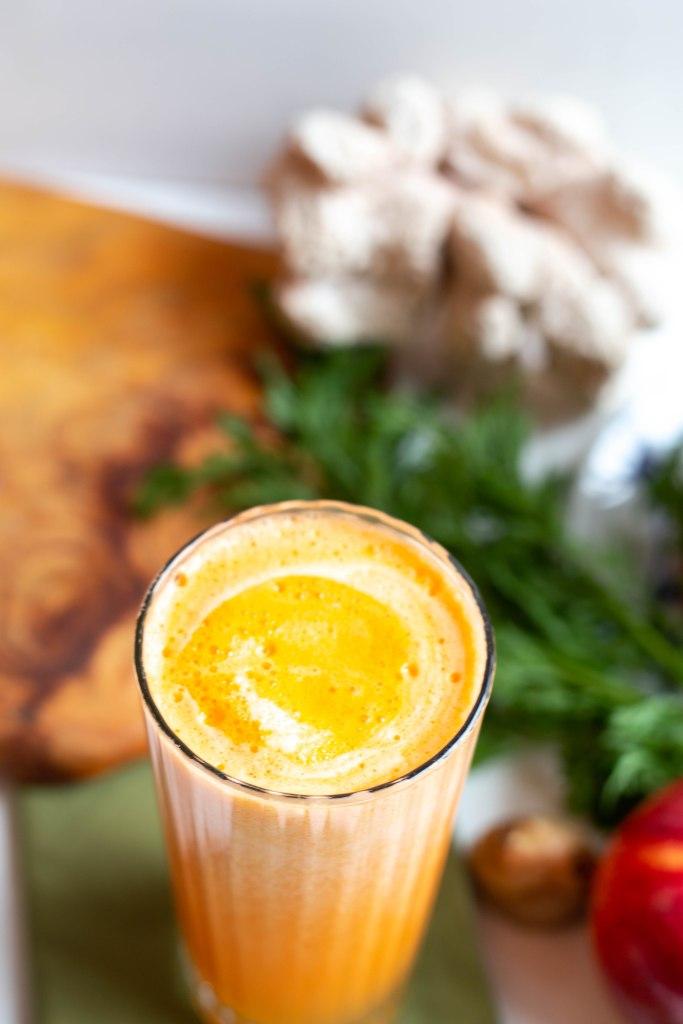 carrot apple ginger pineapple juice recipe, juicing recipes, healthy breakfast ideas, weekday breakfast, healthy snacks