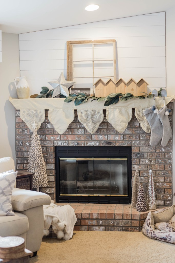 neutral Christmas decor mantel