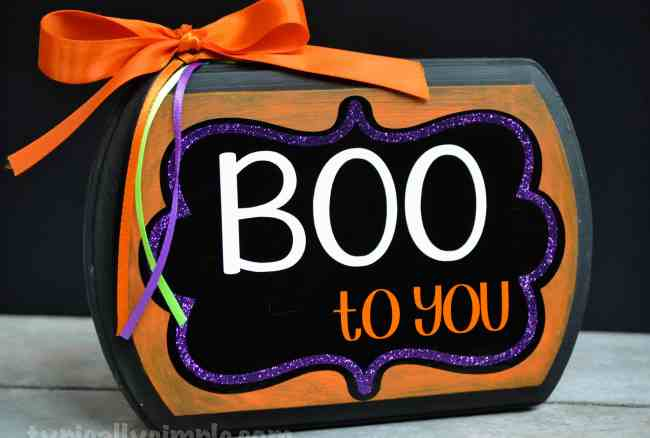Boo to You Halloween Sign