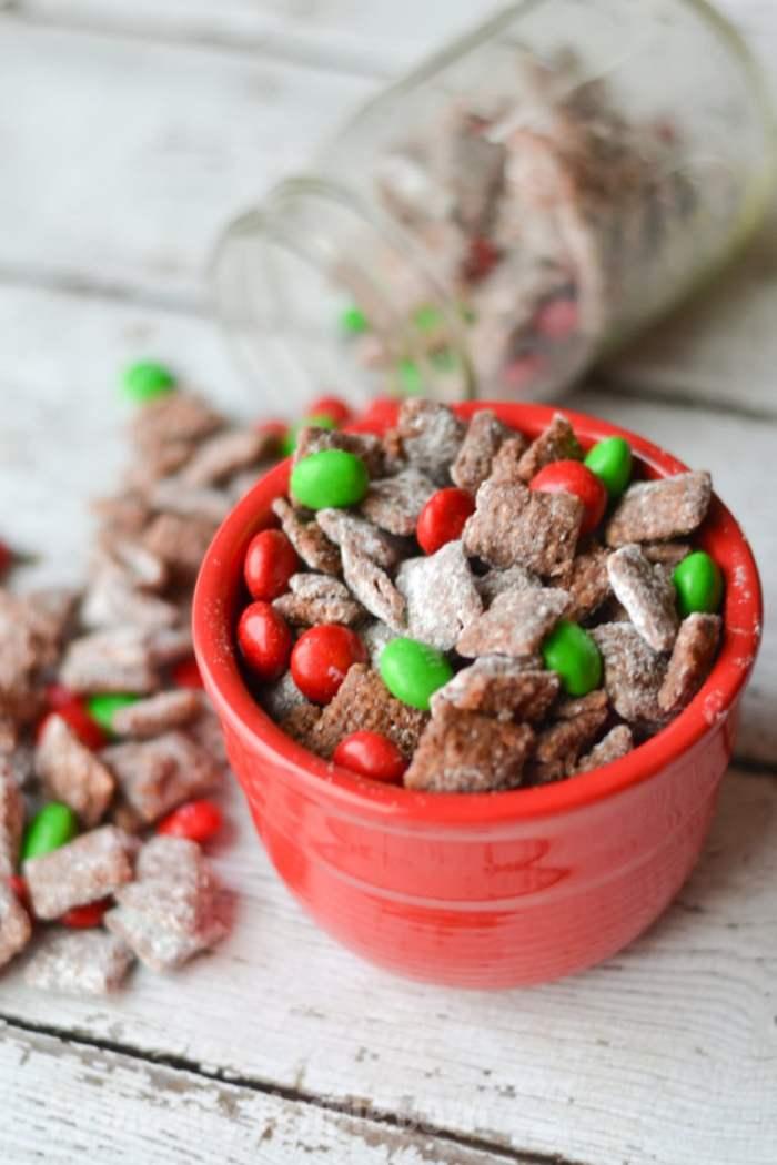 Christmas Muddy Buddy Recipe-12