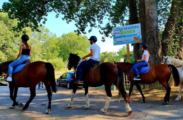 Horseriding near to Le Clarys Plage