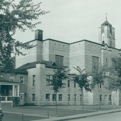 Bibliothèque Memphrémagog / Église Sainte-Marguerite