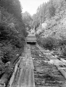 Construction de la route d'accès, parc du Mont-Orford