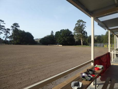 016. Loch cricket ground & campsite