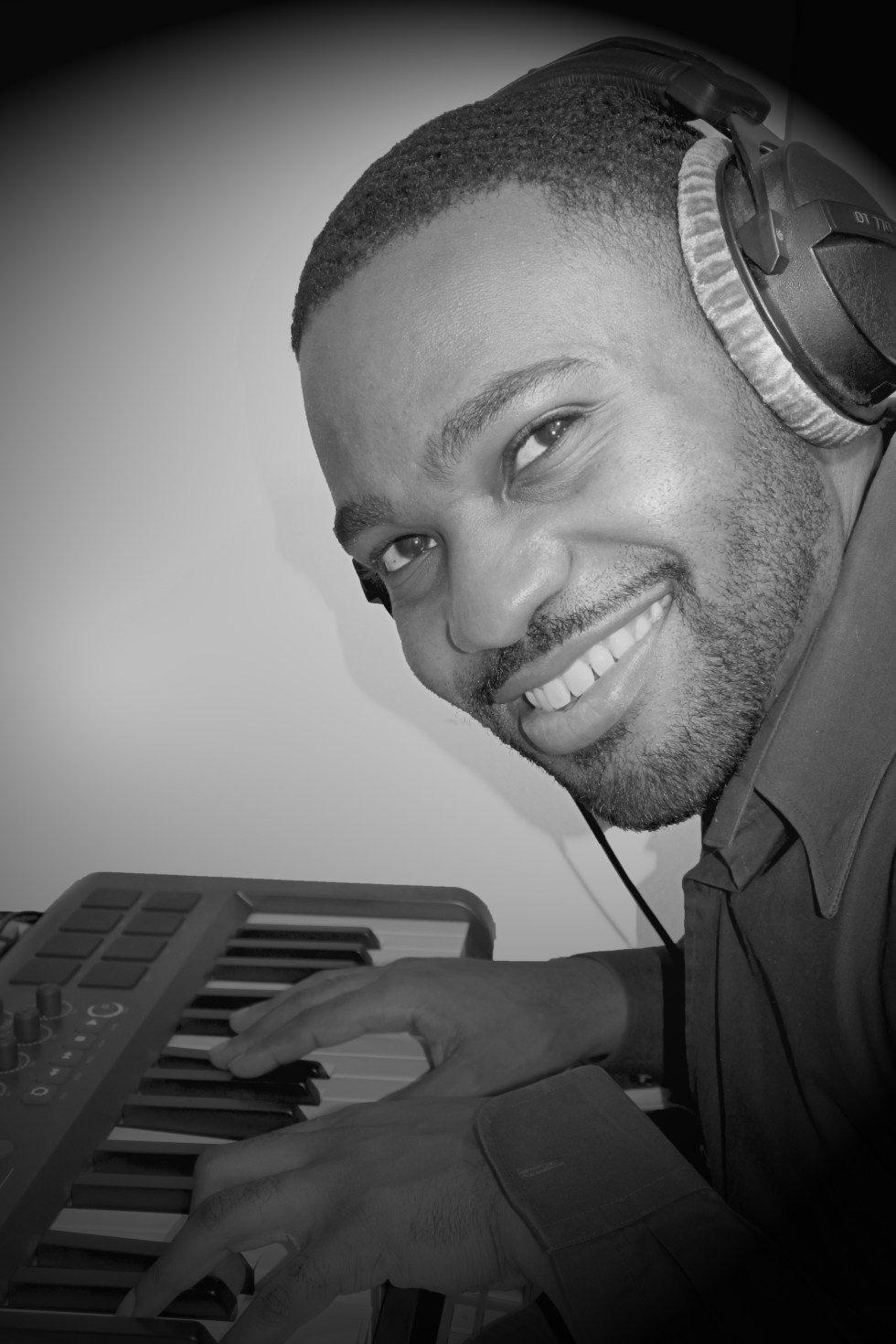Tyrone Smith m-audio Keyboard Recording photo black and white we