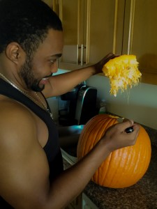 Fall pumpkin carving Halloween famous celebrity musician producer Tyrone Smith NYC Keurig G-Star Raw
