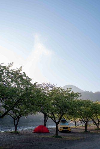 朝の青野原オートキャンプ場
