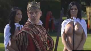 سكس ملكى مثير لملك ساخن ينيك جواري قصره الساخنه HD