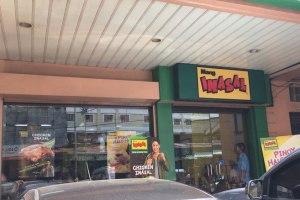 【食レポ】フィリピンで大人気!INASAL(イナサル)でバーベキューチキンを食べよう