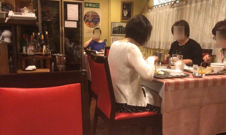 フランス料理店クレッソニエール 店内